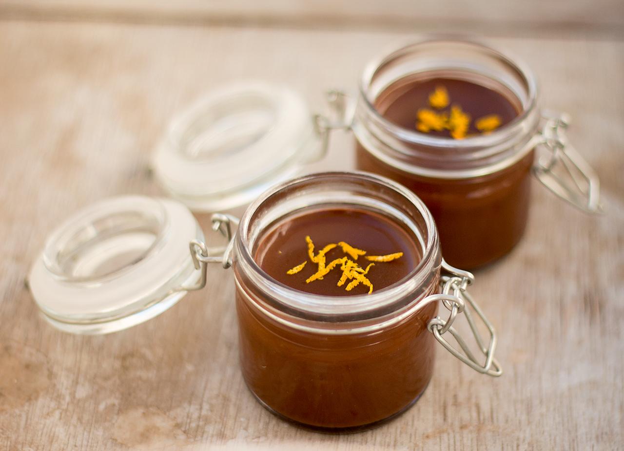 wegańskie kubeczki czekoladowo-pomarańczowe dla dwojga