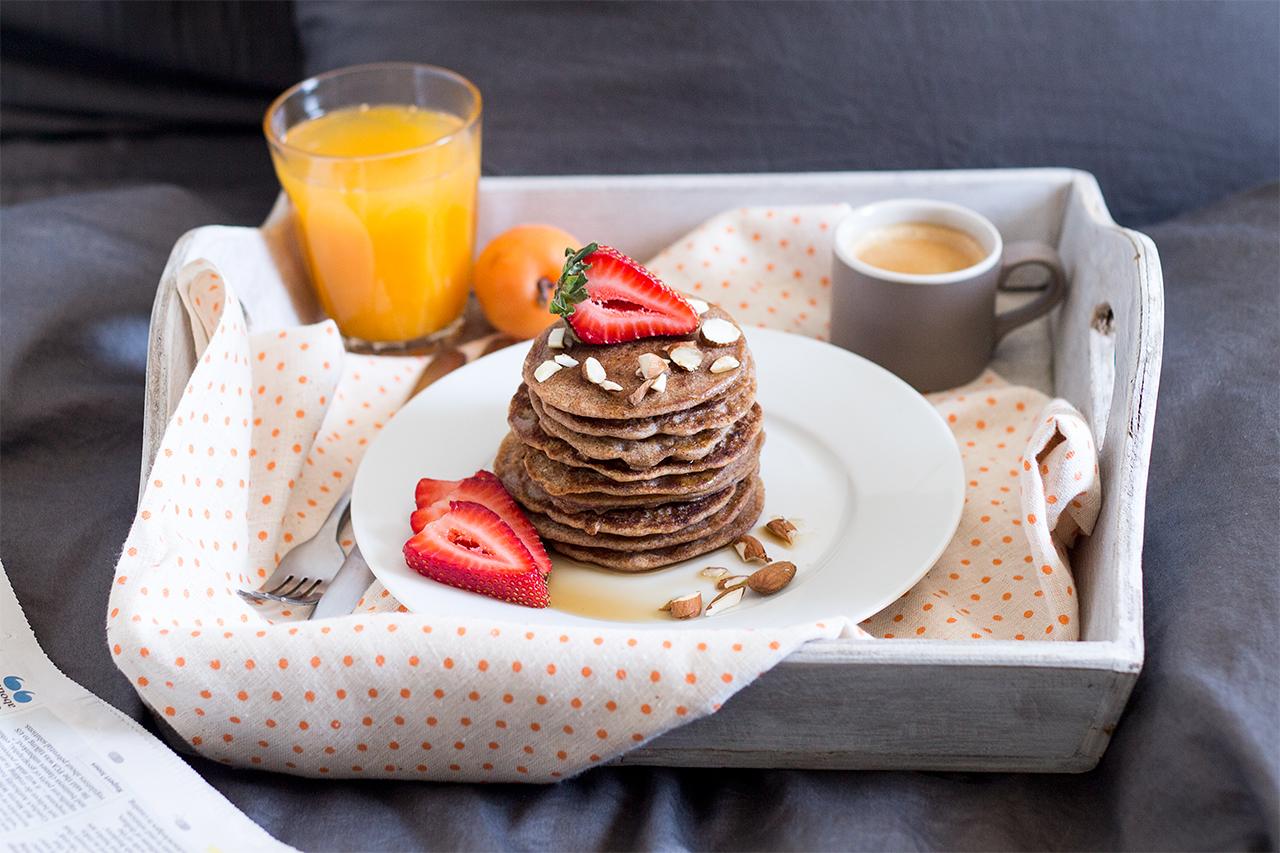 naleśniki gryczane śniadanie do łóżka