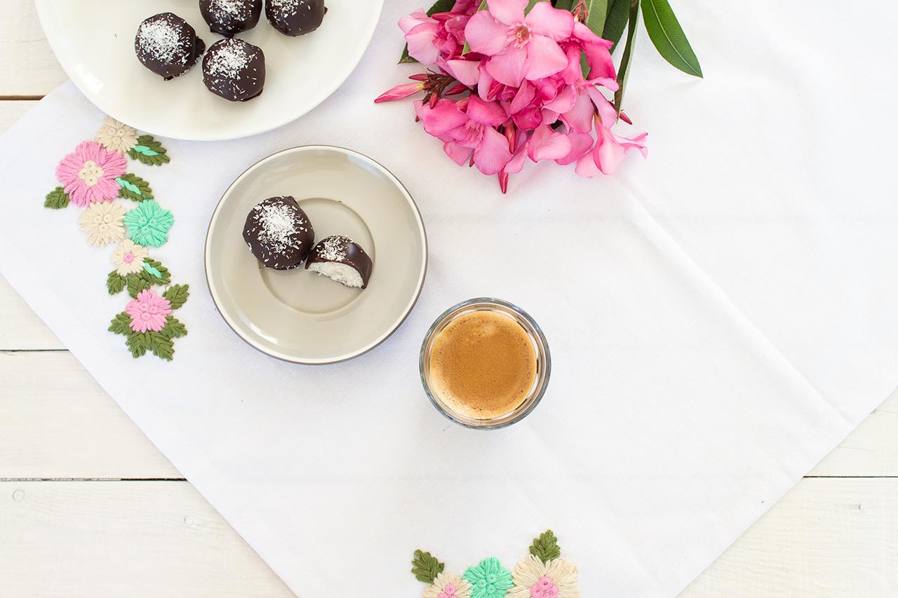 kokosowe czekoladki z rumem z góry