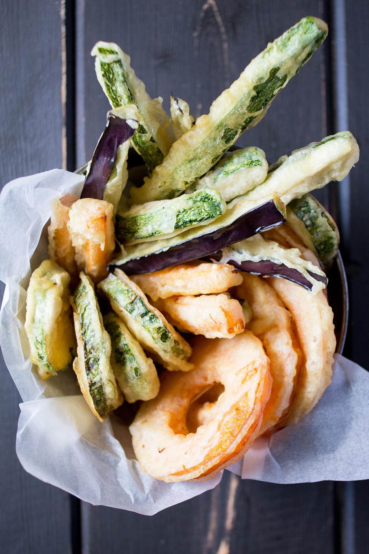 wegańska tempura z sosem do maczania