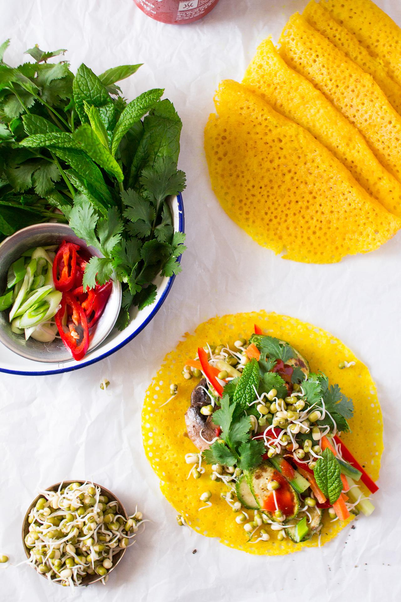 chrupiące naleśniki wietnamskie przygotowywanie